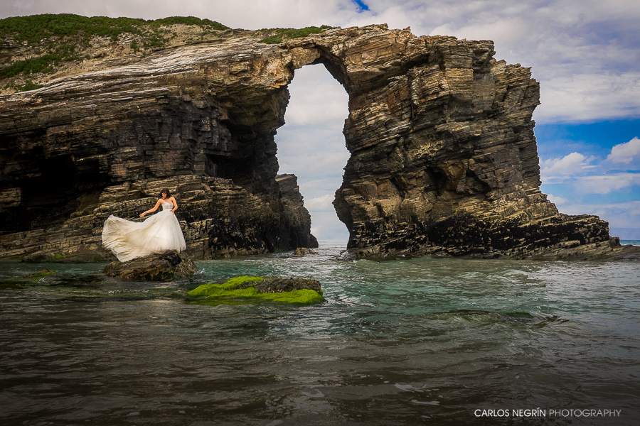 N+H Reportaje de postboda en Praia As Catedrais, Carlos Negrín Photography, fotógrafo profesional de bodas en Coruña, Galicia, España.