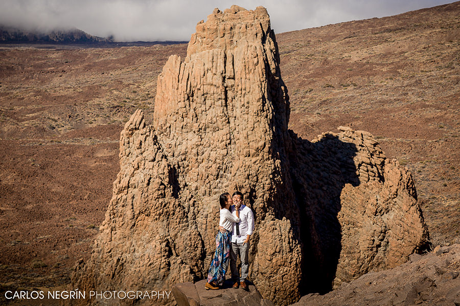 Engagement session en Parque Nacional del Teide, Carlos Negrín wedding photographer